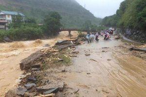 Lai Châu: Sạt lở gây chia cắt giao thông tạm thời một số tuyến quốc lộ