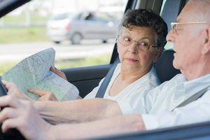 Người già có thể lái xe ô tô an toàn hay không?