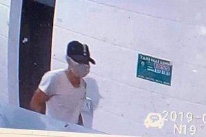 Truy tìm gã đàn ông da ngăm đen nghi đâm chết nữ nhân viên bán xăng ở Nghệ An