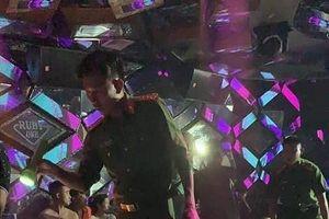 Bắt quả tang 40 thanh niên 'bay lắc' trong quán karaoke
