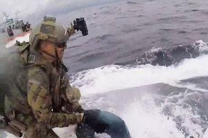 Màn rượt đuổi giữa cảnh sát biển Mỹ và tàu ngầm buôn ma túy