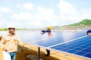 Điện mặt trời phát triển 'nóng', lưới điện quá tải