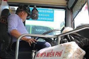 Thưởng 2 triệu đồng cho tài xế xe buýt ép ngã nhóm cướp xe máy