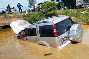 Tai nạn ô-tô ở Nghệ An, một người chết, bốn người bị thương