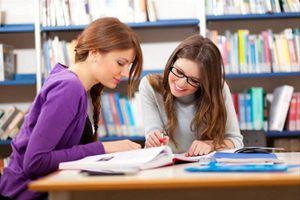 Hoạt động khởi động: Rèn luyện kỹ năng giao tiếp bằng tiếng Anh
