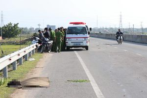 Phát hiện thi thể bị cán nát trên quốc lộ, truy tìm phương tiện gây tai nạn