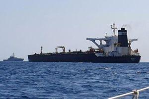 Iran tố Anh bắt giữ siêu tàu dầu 'dưới sức ép của Mỹ'