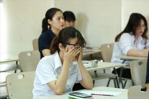 Cho con đi du học: Cha mẹ đón nhận cái kết không thể đắng hơn