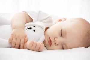 Trẻ sẽ cao lớn trông thấy nếu được ngủ vào 2 khung giờ vàng này