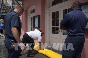 Mỹ ban bố tình trạng khẩn cấp, đối phó bão Barry