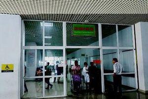 Nhân viên y tế đang mang thai bị người nhà bệnh nhân đánh tại bệnh viện