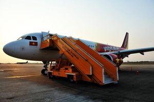 Máy bay Vietjet đi nhầm đường lăn khiến một máy bay khác sắp hạ cánh phải bay lên