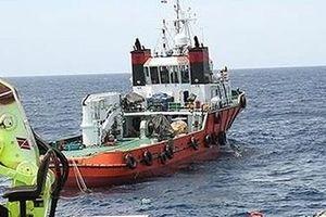 Bắt đầu trục vớt tàu cá NA 95899 bị chìm cùng 9 ngư dân