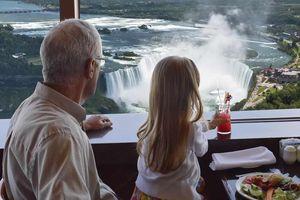 Ngắm thác Niagara hùng vĩ từ nhà hàng xoay độc đáo cao 250 m