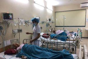 Ngộ độc tập thể sau tiệc cưới, 73 người phải nhập viện