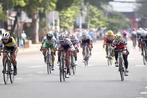 Cuộc đua xe đạp nữ Truyền hình An Giang 2019: Á quân SEA Games Som Net bứt phá chặng đầu