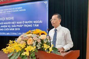 Kiều bào học tiếng Việt