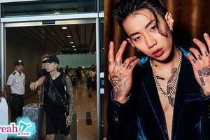 Jay Park chính thức xuất hiện tại sân bay Đà Nẵng, vừa đến nơi đã vội báo cho Sơn Tùng M-TP