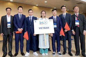 Việt Nam giành 3 huy chương Vàng Olympic Vật lý quốc tế năm 2019
