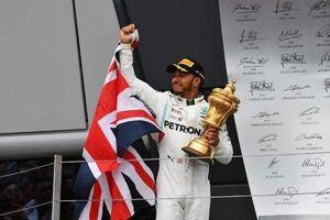 Hamilton lập kỷ lục trên đường đua Grand Prix Anh
