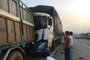 Đang cặm cụi sửa xe, tài xế bị ôtô tải chở than lao tới tông tử vong