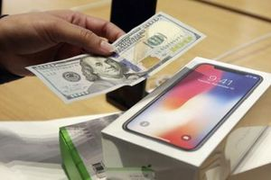 Apple bồi thường Samsung gần 800 triệu USD do.. iPhone ế ẩm