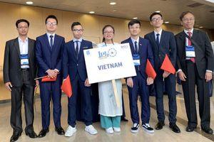 Đoàn Việt Nam đạt 3 Huy chương vàng Olympic Vật lý quốc tế