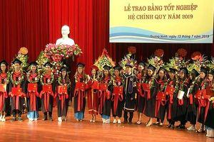 Tốt nghiệp Đại học Hạ Long, nhiều sinh viên tìm được việc làm ngay