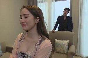 'Về nhà đi con' tập 65: Nhã khóc lóc kể với Vũ về nỗi đau bị phản bội