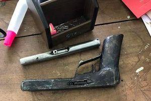 Bị đánh trọng thương vì mang súng tự chế đi đòi nợ 1 triệu đồng