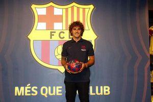 Antoine Griezmann rạng rỡ trong ngày tới Barcelona