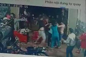 Nhóm côn đồ lao vào nhà dân gây sự, đánh 2 người nhập viện