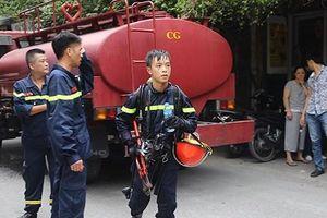 Khống chế hỏa hoạn trong ngôi nhà cấp 4, hướng dẫn người dân thoát khỏi nguy hiểm