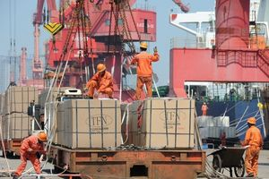 Tăng trưởng kinh tế Trung Quốc xuống mức thấp nhất trong 27 năm