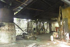 Lò tái chế dầu mỡ trái phép tại Thanh Oai: Cần xử lý cương quyết