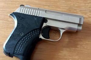 Khởi tố vụ 'cướp sòng bạc, dùng súng truy sát gia đình nhà cái'