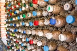 Triển lãm nghệ thuật về chủ đề bảo vệ môi trường: Khi rác lên tiếng