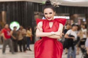 CHUYỆN SHOWBIZ (15/7): Cris Phan xin lỗi về việc body shaming trong MV của Sơn Tùng M-TP, Angela Phương Trinh xuất hiện lộng lẫy sau chuỗi ngày đi tu