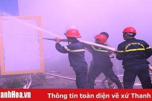 Kho chứa hàng hóa của Công ty giày Aresa Việt Nam bốc cháy, hàng trăm công nhân hoảng loạn