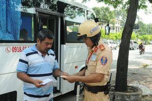 Nhiều tài xế bị CSGT xử phạt trong ngày đầu ra quân tổng kiểm tra