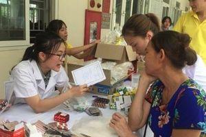 Hơn 200 cựu thanh niên xung phong được khám bệnh, phát thuốc miễn phí