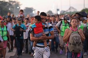 Dòng người Trung Mỹ nhập cư sắp bị chặn bởi quyết định của Tổng thống Trump