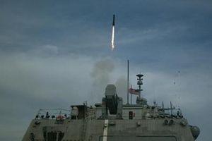 Mỹ cấp tốc lắp vũ khí đặc trị xuồng cao tốc Iran