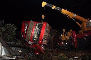 Vụ xe khách tông vào xe tải khiến 11 người thương vong ở Đắk Lắk: Xe chạy dù, sai tuyến