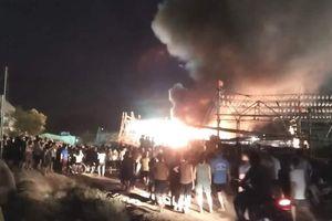 Nghệ An: Tàu cá bất ngờ bốc cháy, ngư dân thiệt hại hàng tỷ đồng