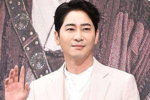 Kang Ji Hwan thừa nhận mọi cáo buộc trong vụ tấn công tình dục