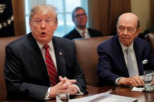 Chính quyền Mỹ bác thông tin sắp cách chức Bộ trưởng Thương mại