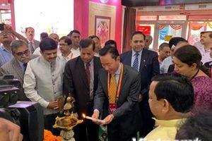Doanh nghiệp Việt Nam tham gia Hội chợ quốc tế lụa tại Ấn Độ