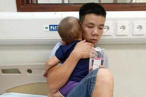 Phú Thọ: Cả gia đình nhập viện vì nghi bị kẻ xấu ném thuốc trừ sâu vào téc nước