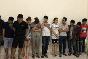 Đột kích quán karaoke tổ chức đại tiệc 'ma túy' cho khách bay lắc, bắt giữ 30 người